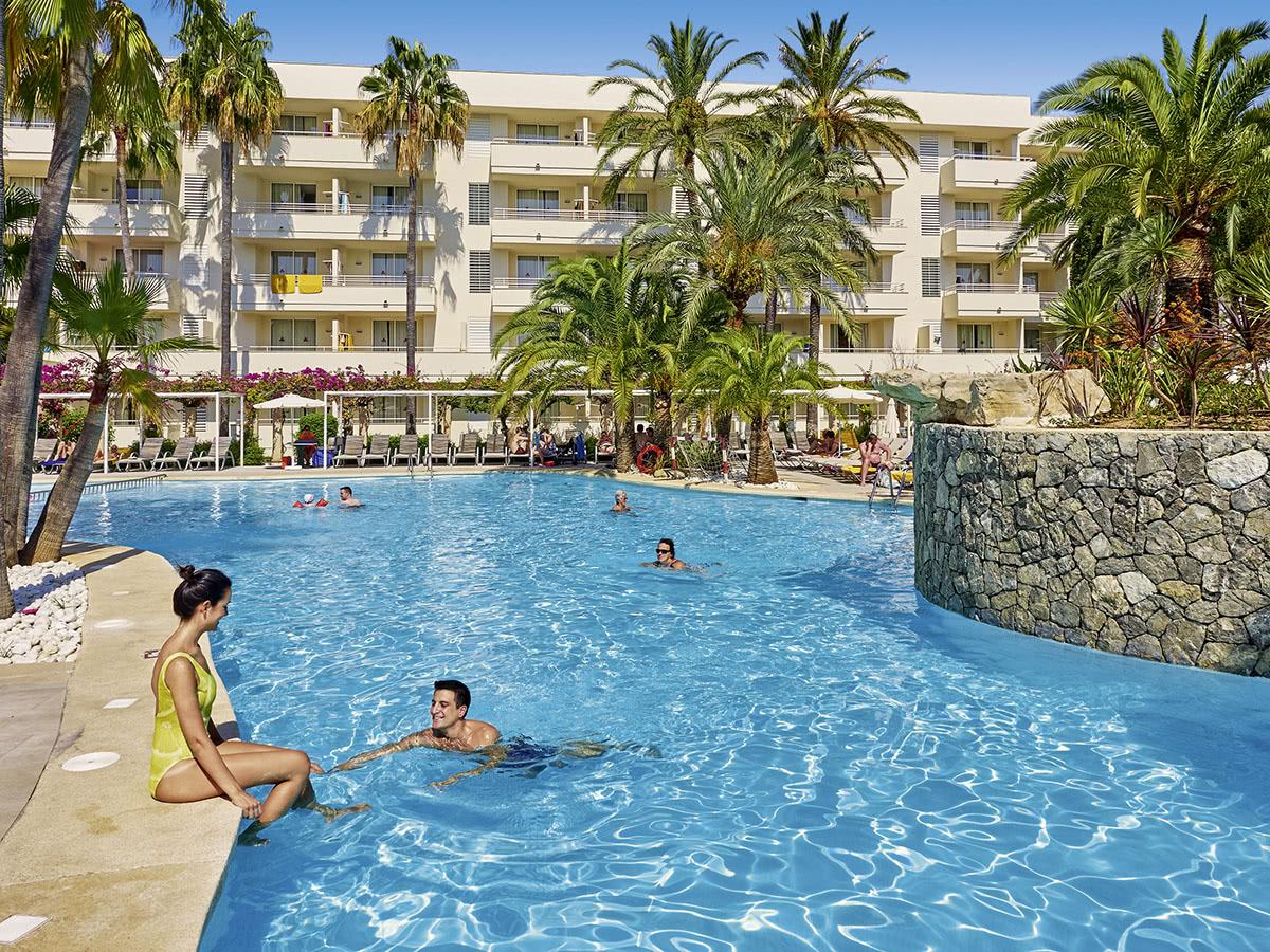 Allsun Hotel Rossella Auf Mallorca In Sa Coma Spanien