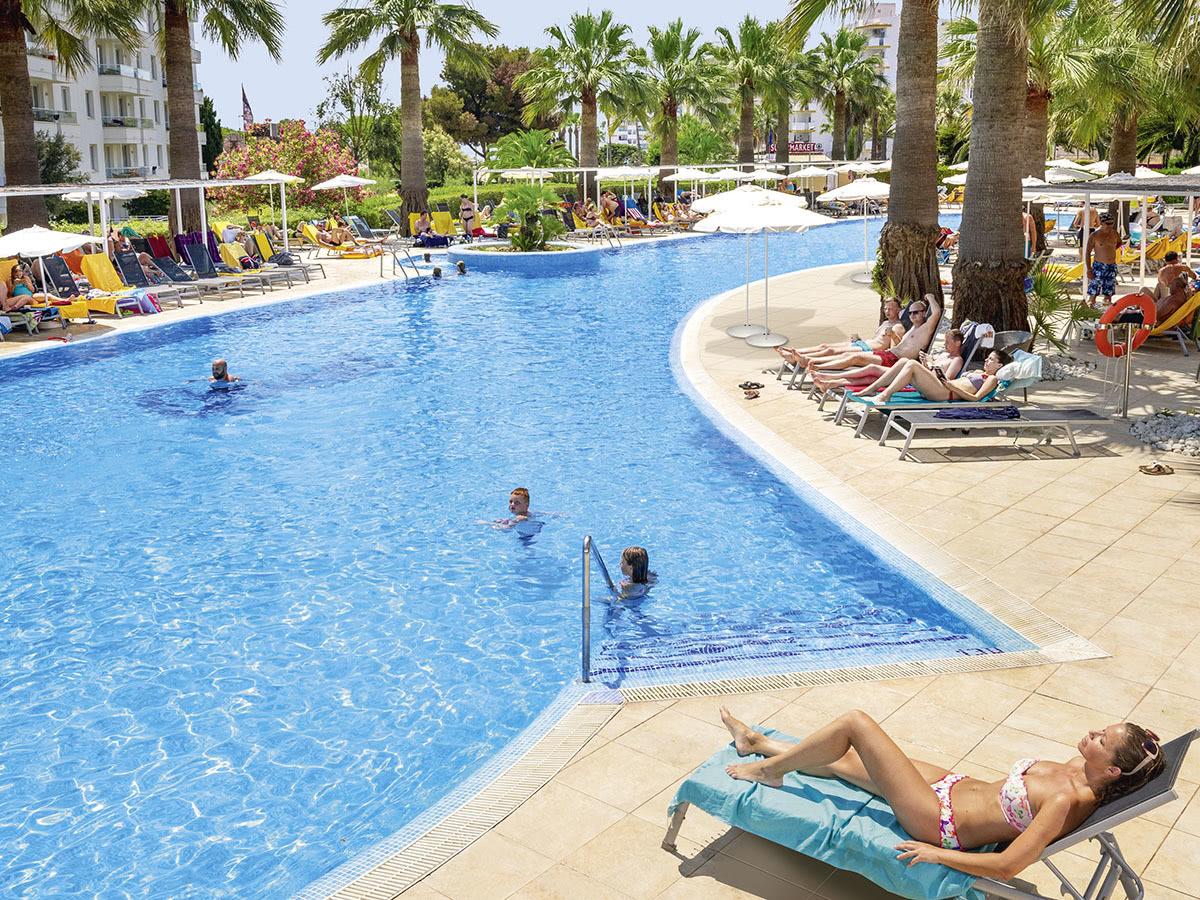 Allsun Hotel Orient Beach En Mallorca Sa Coma Espana